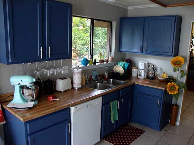 Navy Blue Kitchens That Look Cool And: Съвети за дизайн на малка кухня