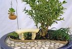 Миниатюра с дръвче и пейка