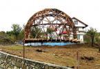 Друг изглед към конструкцията на сферична къща