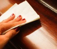 Премахване на петна от полирани мебели