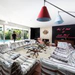 Шик Дизайн и Луксозен Апартамент от Максим Жаке