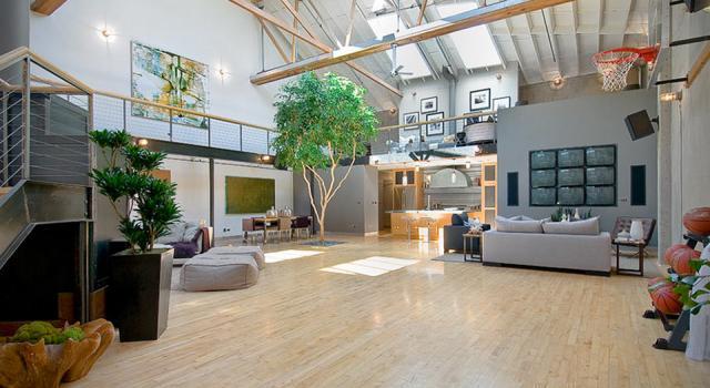 Склад превърнат в просторно луксозно жилище